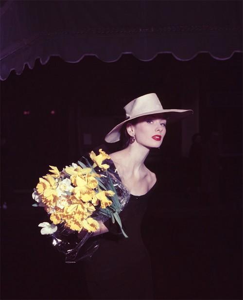 """Suzy Parker Daffodil, pour """"ELLE"""", Spring Collection, Paris 1953"""