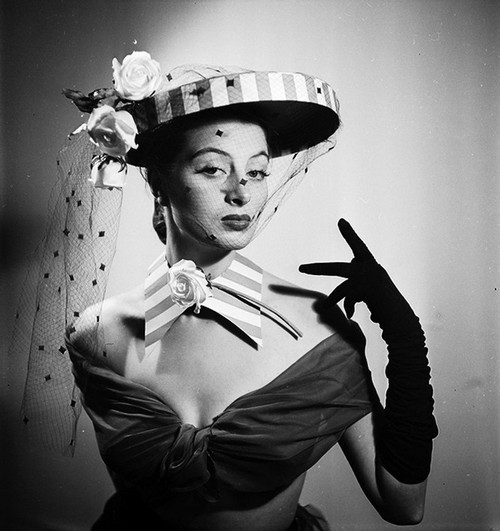 Capucine hat Catherinette 1952