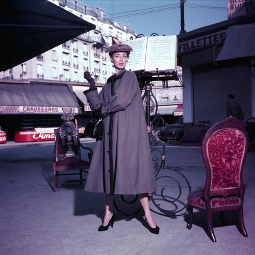 Dorian Leigh aux Puce 1953
