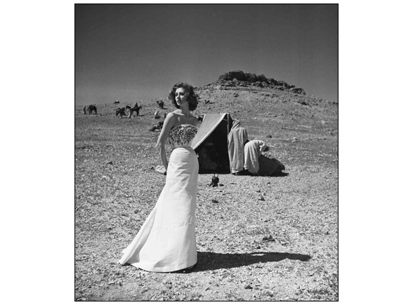 Suzy Parker in the Berber camp