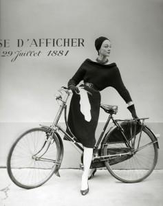 Ivy Nicholson pour le journal Réalités Paris 1956