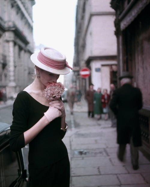 "Suzy Parker Hydrangea for ""ELLE"", Spring collection, Paris 1953"